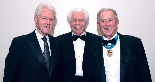 クリントン元大統領・ビルオースティン・ブッシュ元大統領