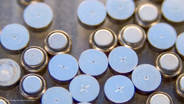 使用済みの複数の補聴器空気電池