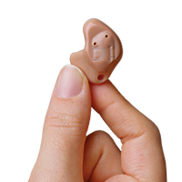 receiver-in-canal-made-for-iphone-hearing-aid-in-hand-milan.png
