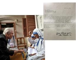 1995年マザーテレサがスターキーの補聴器を使い始めた時のビルとの写真